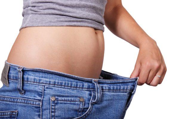 リンパマッサージにはダイエット効果あり、ウエストもスリムに。
