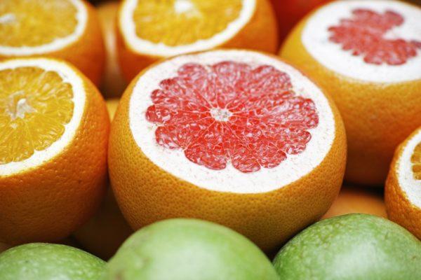 インターンシップにはグレープフルーツの香りがおすすめ。みずみずしいグレープフルーツの画像です