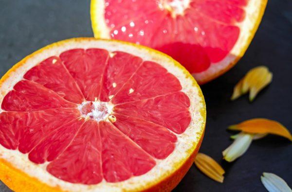 グレープフルーツ精油の香りには脂肪を燃焼する効果があります